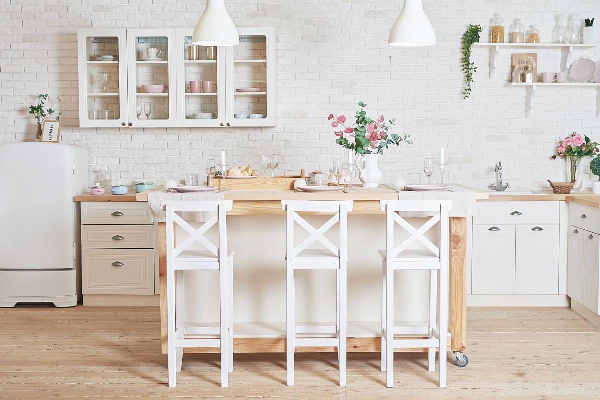 ściany w kuchni w stylu skandynawskim