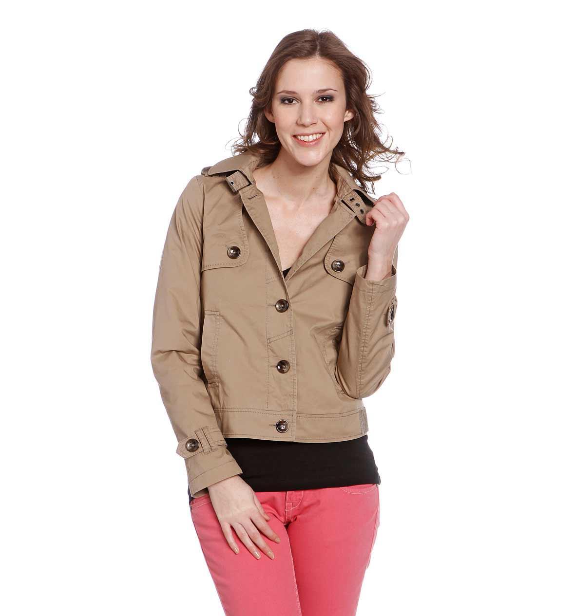 wiosenna kurteczka C&A w kolorze brązowym - moda na wiosnę i lato 2013