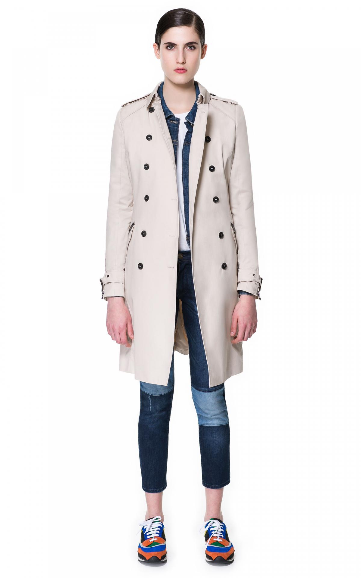 klasyczny trencz ZARA w kolorze beżowym - moda na lato 2013