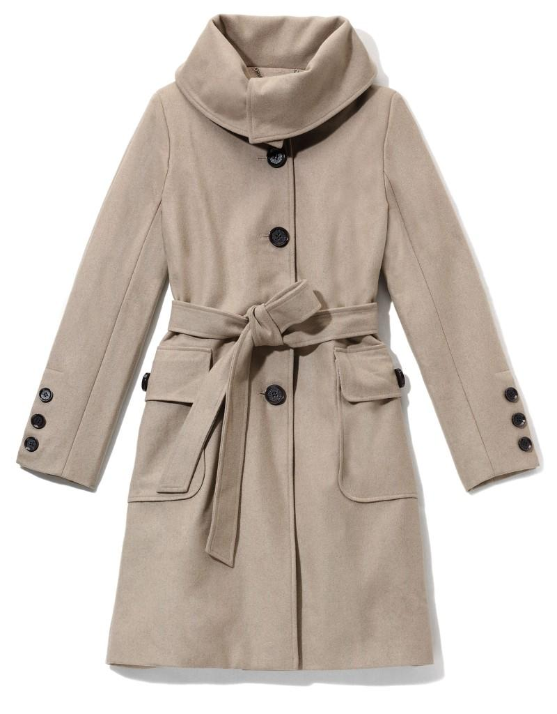 beżowy płaszczyk Reserved - moda 2011