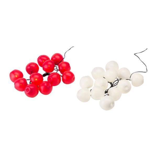 Oświetlenie dekoracyjne w formie jabłka, dostępne w różnych kolorach. Ikea, 59,99 zł.