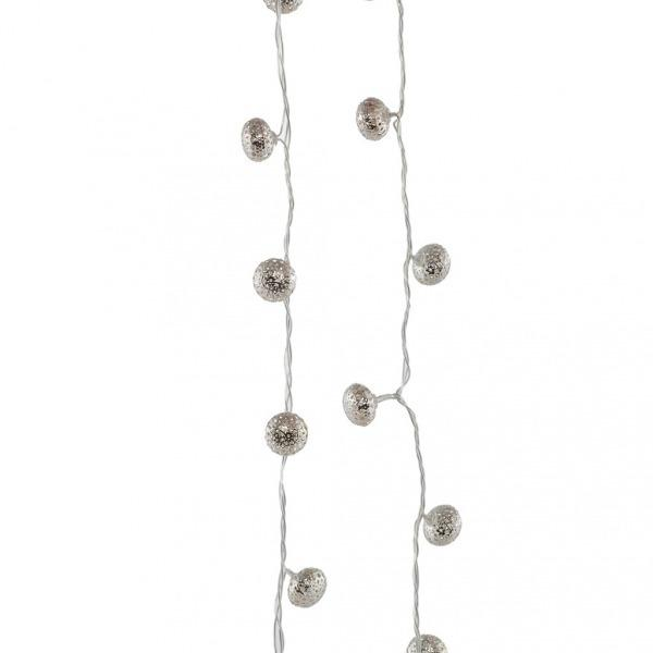 Srebrne, okrągłe lampki choinkowe. Home&You, 69 zł.