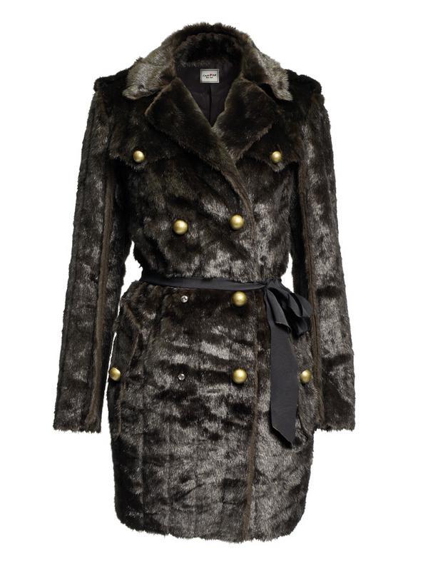 czarny płaszcz H&M - moda jesień/zima 2010