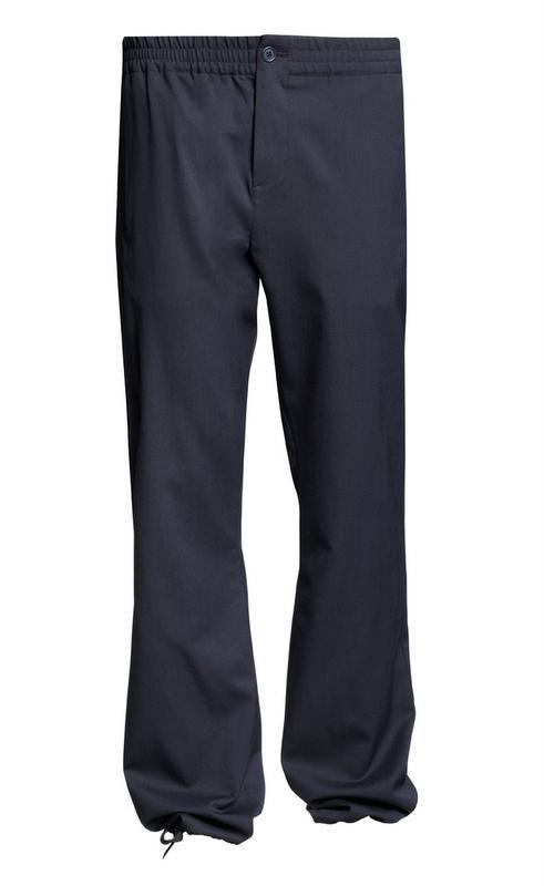granatowe spodnie H&M - moda zimowa