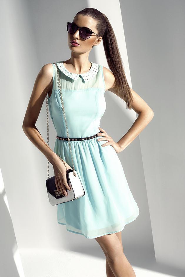 sukienka Mohito w kolorze seledynowym - trendy na lato