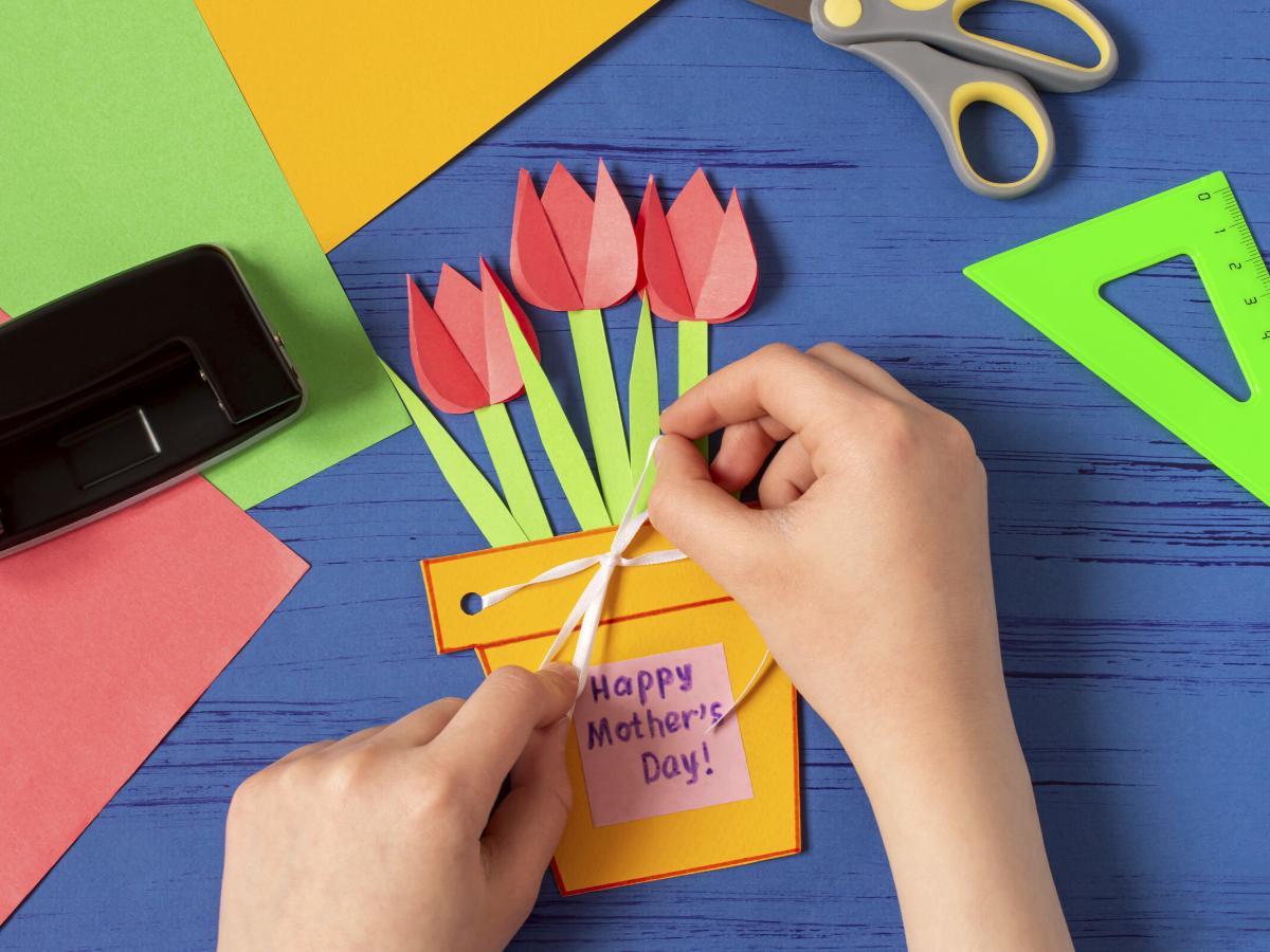 Tulipany z papieru na Dzień Matki
