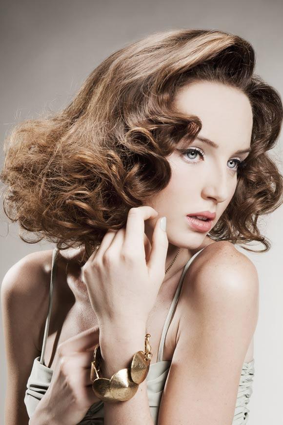 Fryzura - włosy kręcone