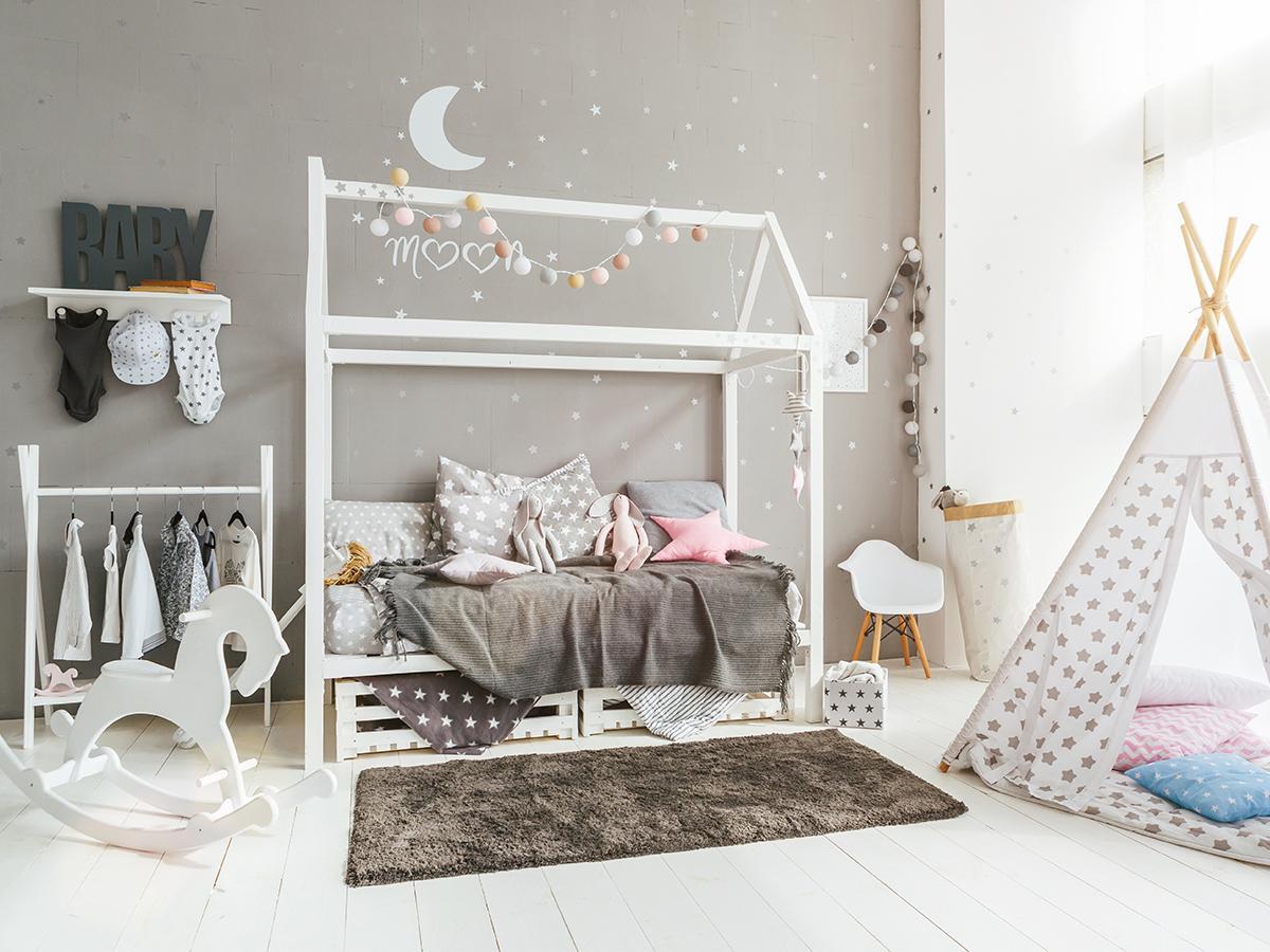łóżko domek z szufladami