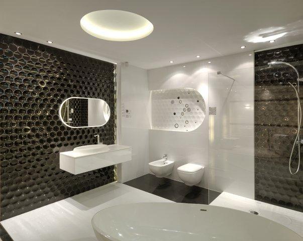 Nowoczesna łazienka W Kolorze Mocnego Brązu I Bieli