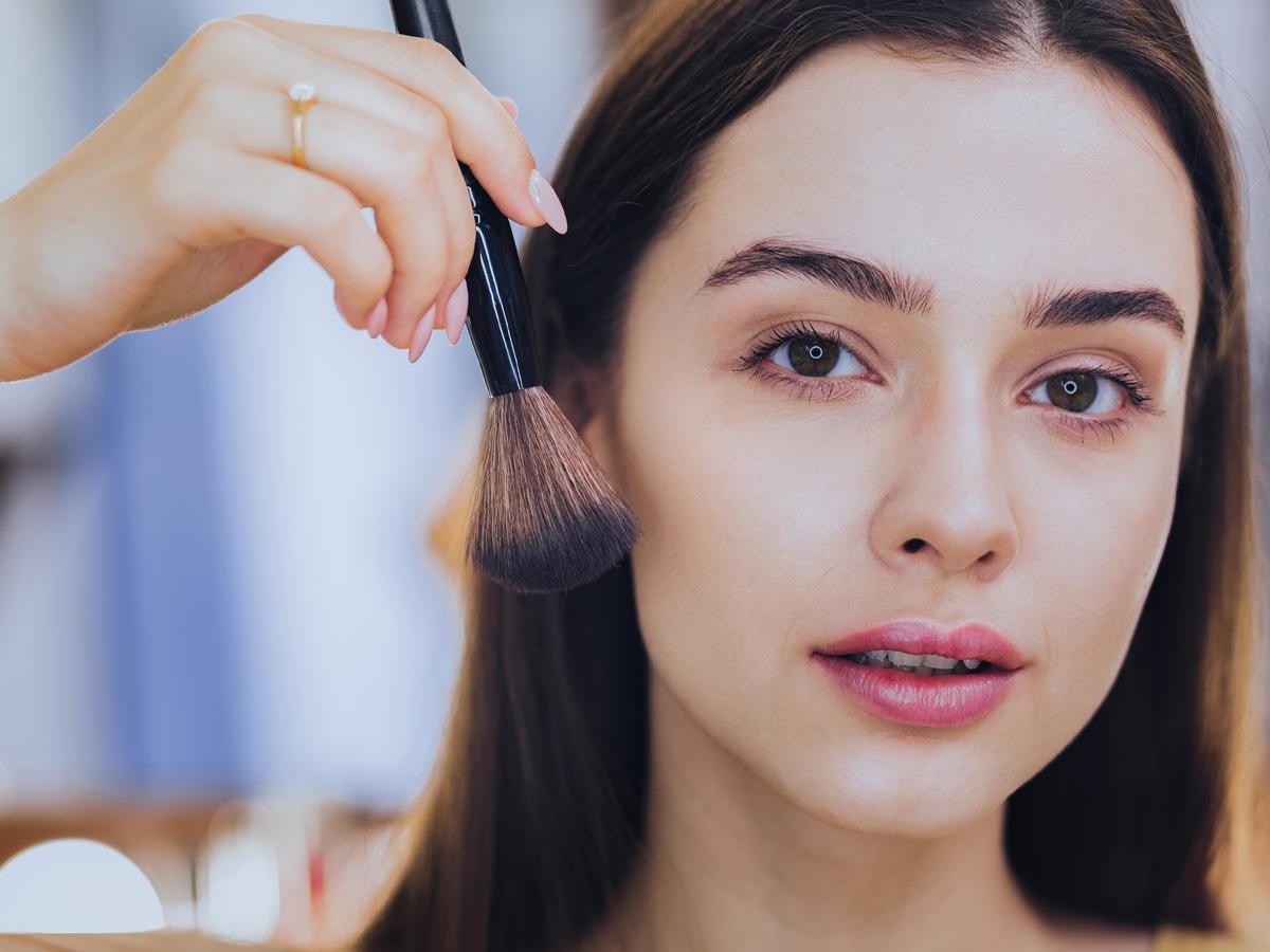 kosmetyki do makijażu cery trądzikowej