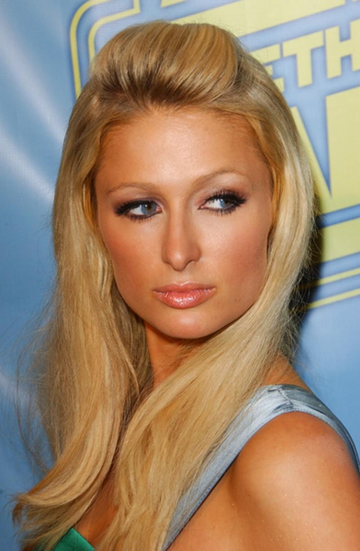Makijaż i uczesanie Paris Hilton