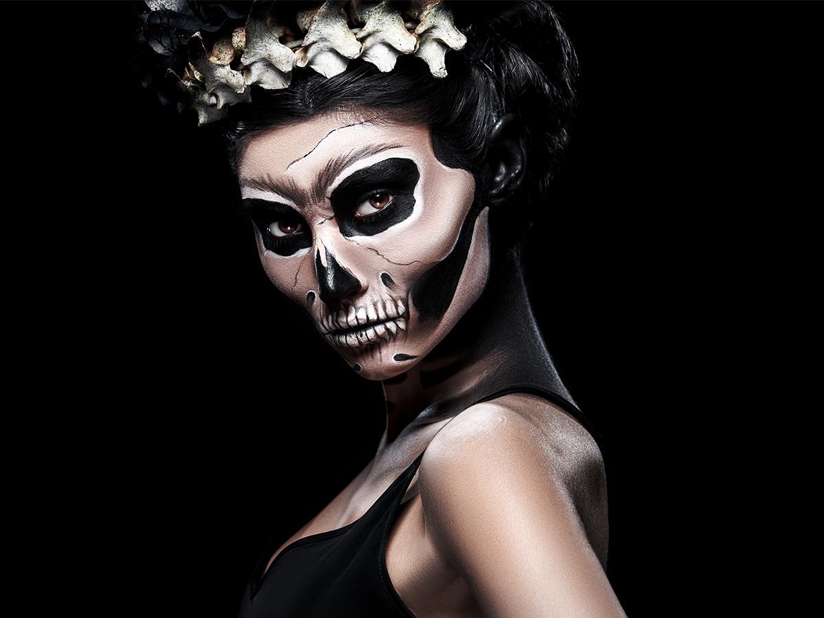 Makijaż na Halloween kościotrup