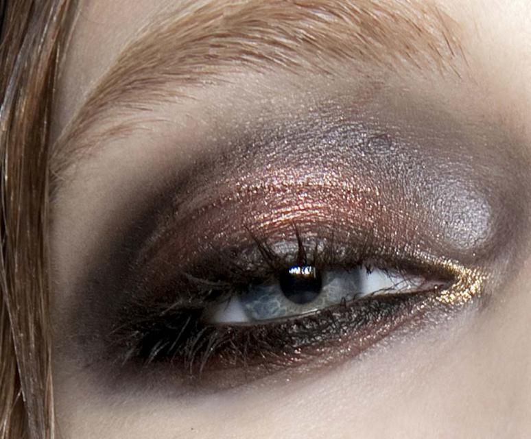 makijaż oczu, trendy makijaż 2012, karnawałowy makijaż 2012, makijaż na karnawał, makijaż na imprezę, makijaż na studniówkę, metaliczne cienie