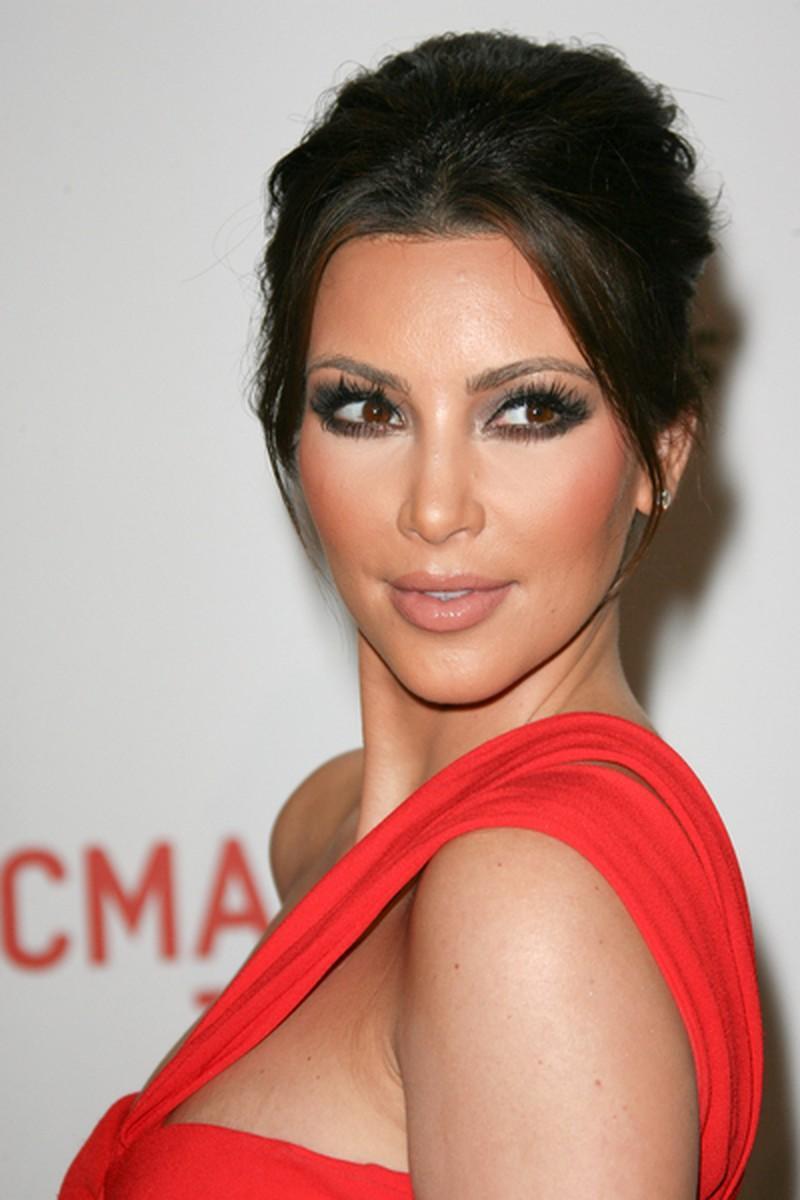 Makijaż Kocie Oko Kim Kardashian Makijaże Gwiazd Hollywood