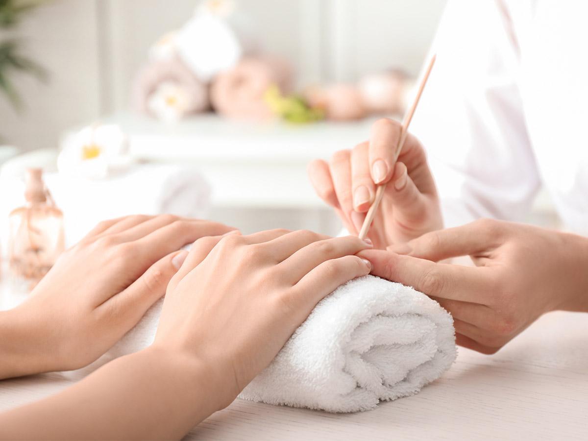 manicure biologiczny w domu