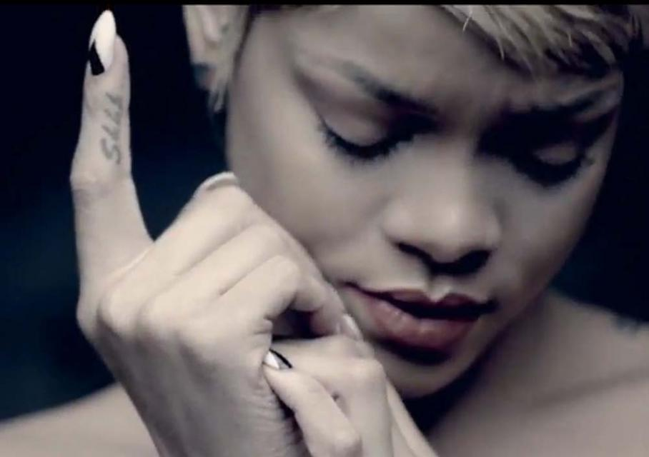 Rihanna, you da one, manicure, manikiur, krok po kroki, trendy, 2012, paznokcie, modne