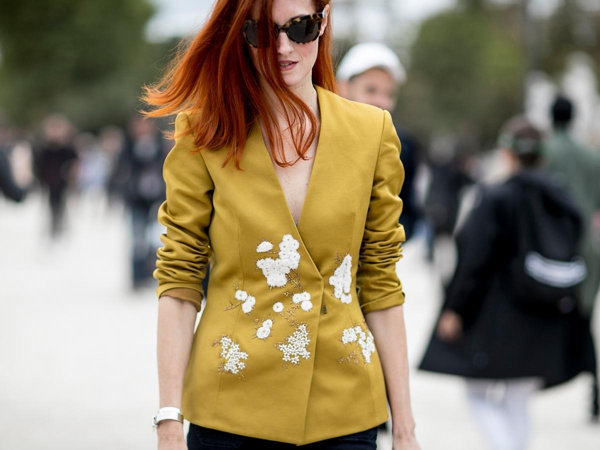 52f853d7ca Ubrania dla kobiet z dużym biustem - jakie modele wybierać  Galeria ...