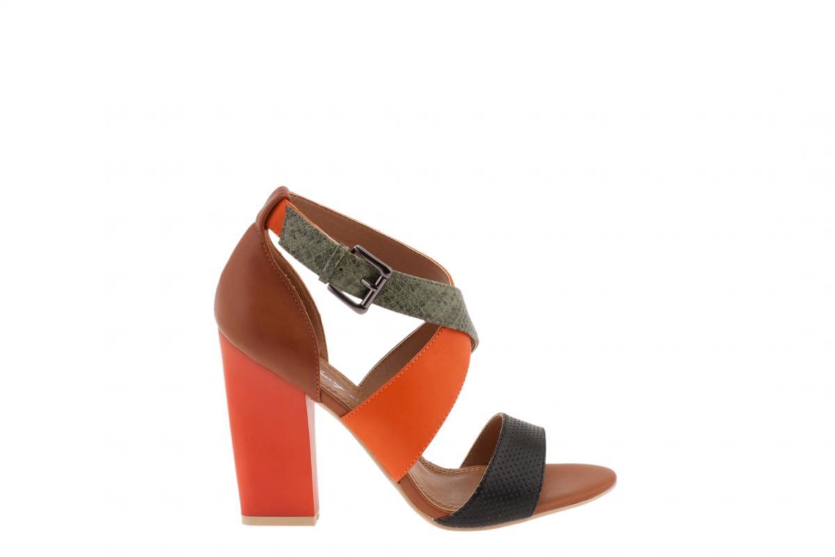 Kolorowe sandały na obcasie Parfois
