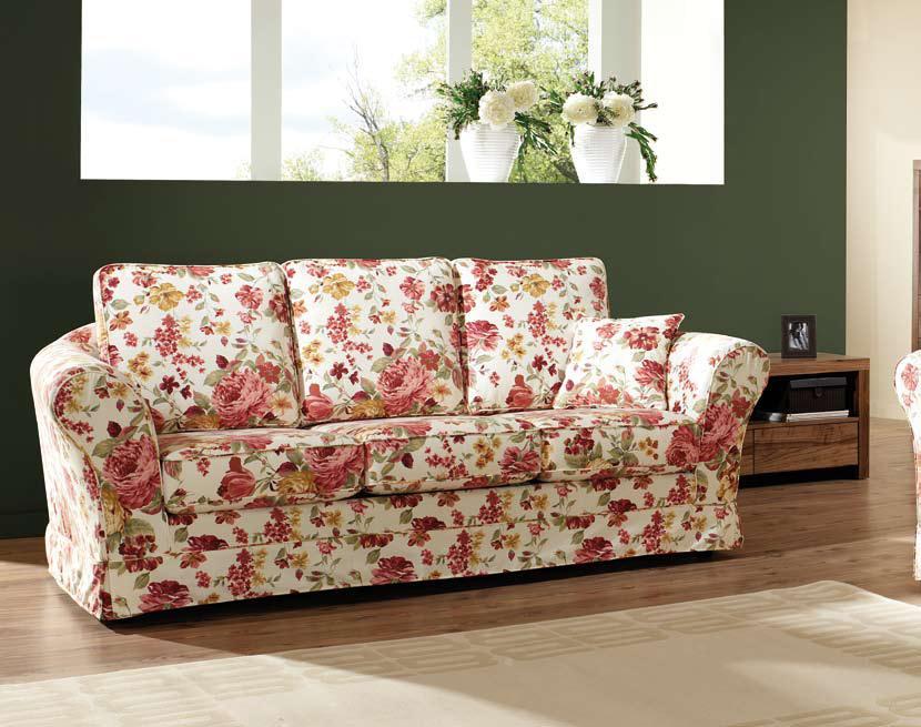 sofa w kwiaty - meble w stylu rustykalnym