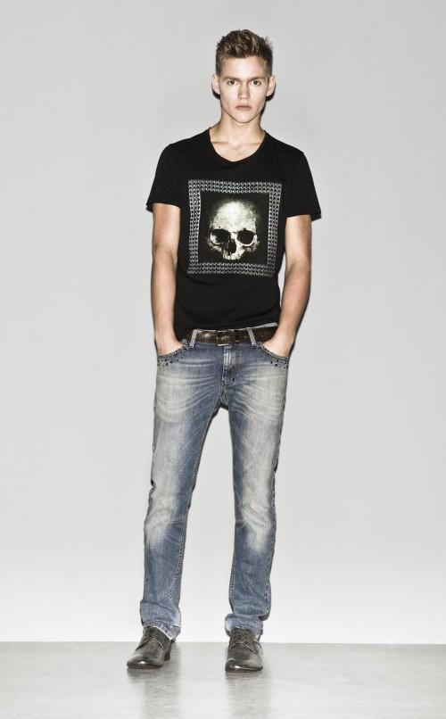 t-shirt Sisley w kolorze czarnym - lato 2013