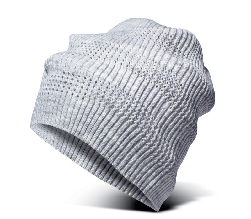 srebrna czapka New Yorker - moda 2011