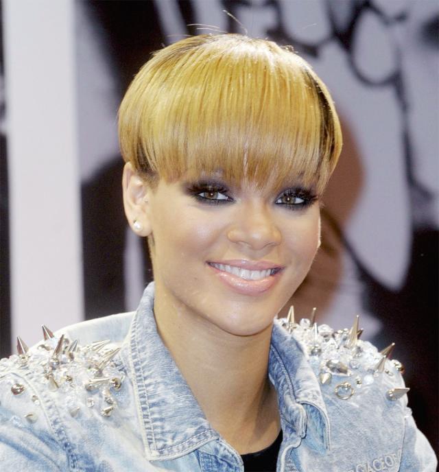 Rihanna, fryzura, styl gwiazd, metamorfoza, trendy