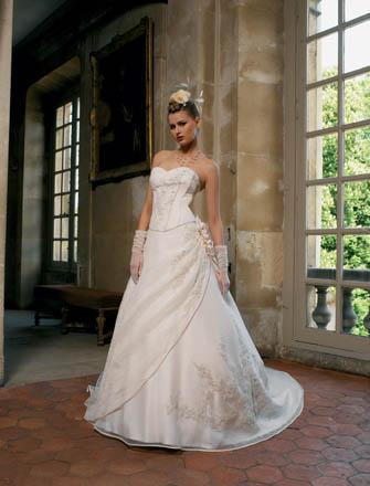 a181a1d77b Miss Kelly - kolekcja francuskich sukien ślubnych - Suknie ślubne i ...