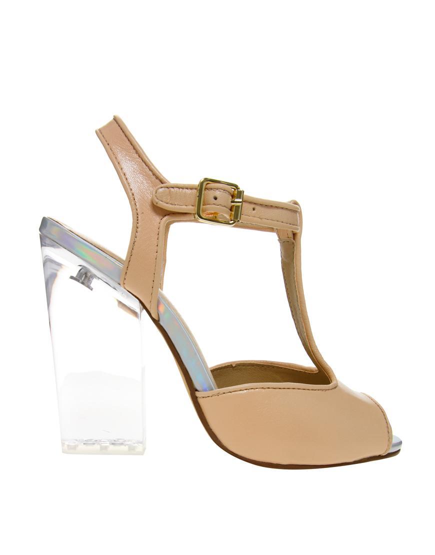 Modne buty 2013 - przezroczyste wstawki i obcasy