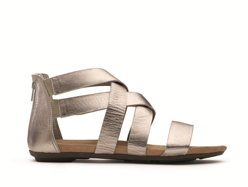 85c708c9 srebrne sandały Clarks z zamkiem - lato 2012 - Modne buty marki ...