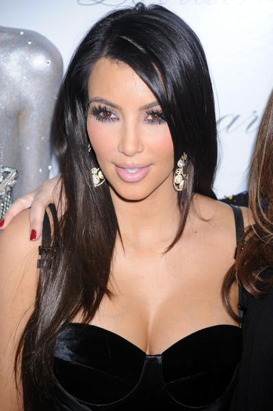 Kim Kardashian - fryzury i makijaże wieczorowe gwiazd