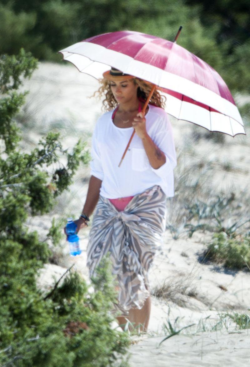 Leona Lewis z pareo