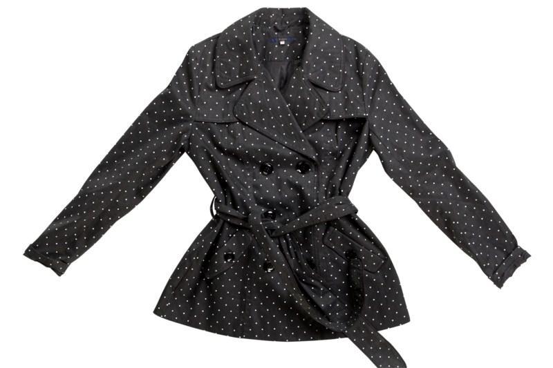 czarny płaszczyk Mohito w groszki - wiosna 2011