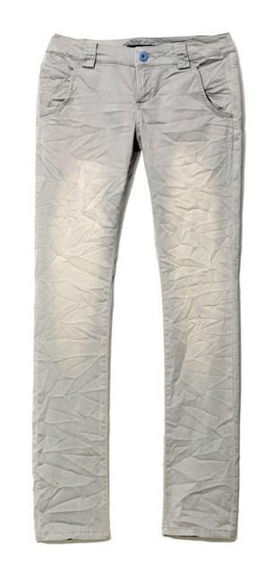 Reserved kolekcja wiosna-lato 2010 spodnie