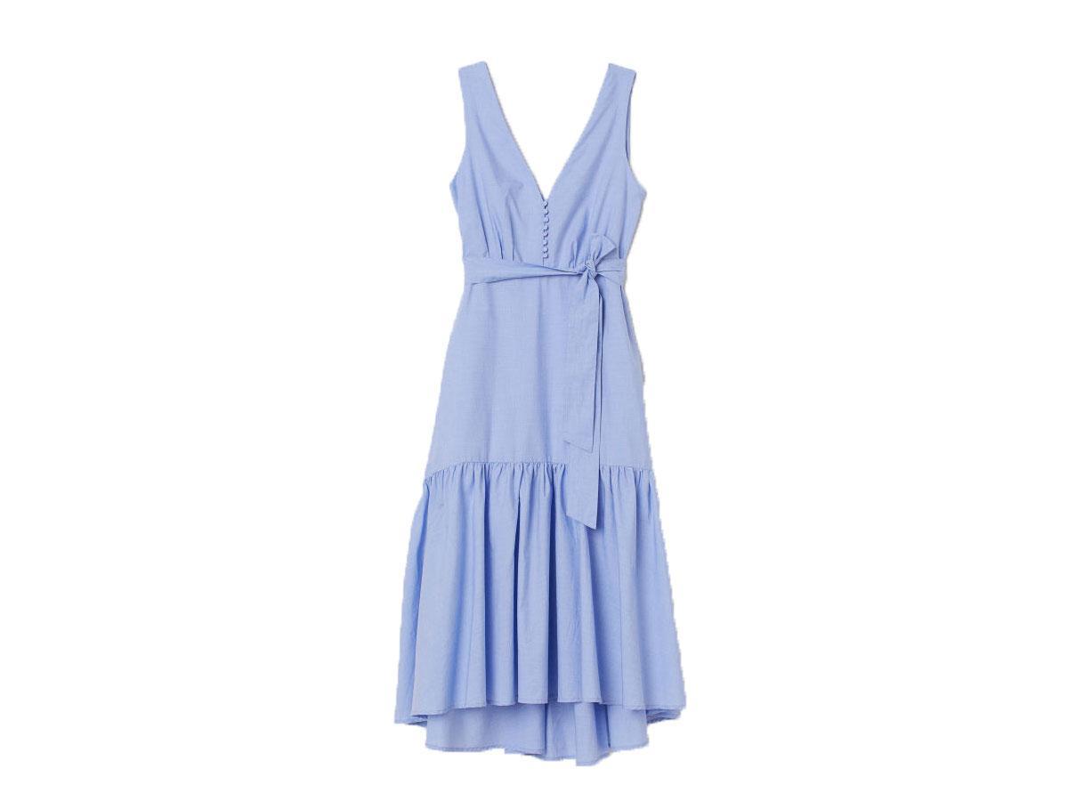 Niebieska sukienka z dekoltem w serek, H&M, cena ok. 229,99 zł
