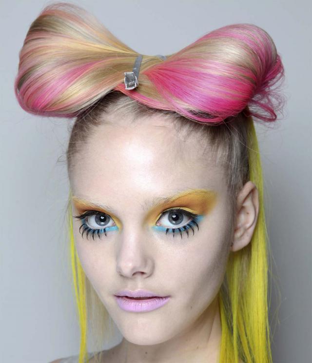 różowe włosy, trendy, 2012, zima, karnawał