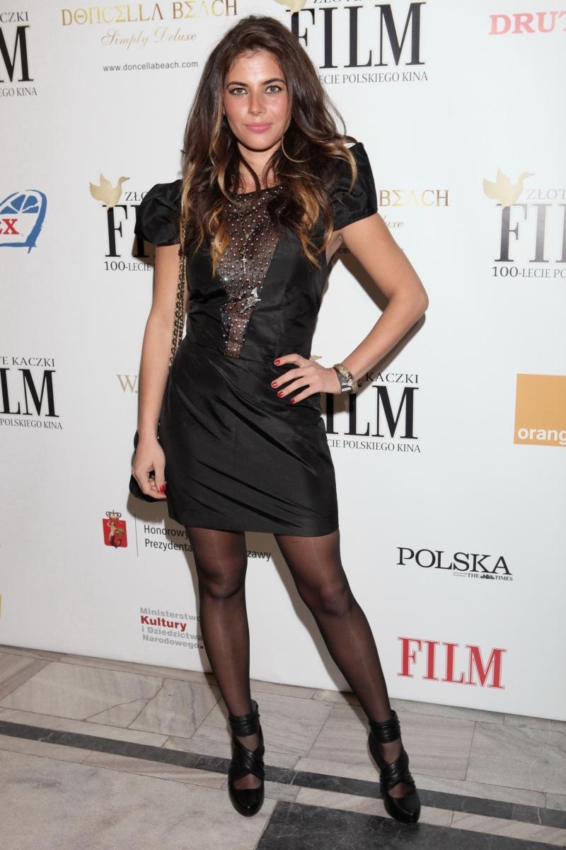 Weronika Rosati - Najlepsze stylizacje gwiazd w 2010 roku