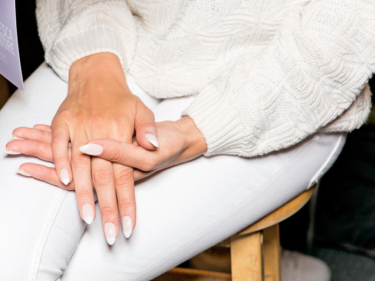 Najlepsze zestawy do manicure hybrydowego. Który wybrać?