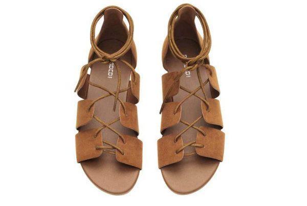 Sznurowane sandały, H&M, cena: 59,90 zł