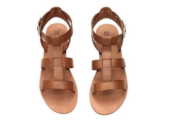 Skórzane sandały, H&M, cena: 99,90 zł