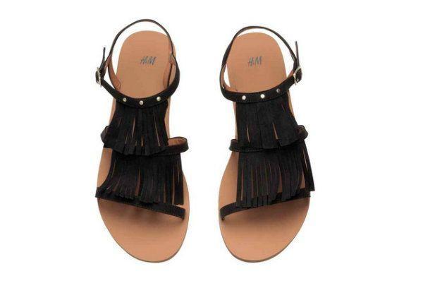Sandały z frędzlami, H&M, cena: 79,90 zł