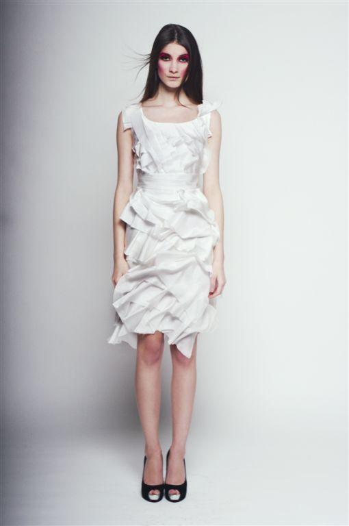 biała sukienka Agnieszka Światły - lato 2011