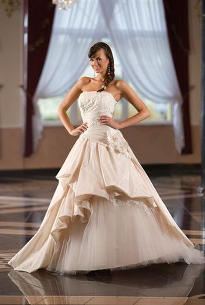 Najnowsza kolekcja mody ślubnej Emmi Mariage - Zdjęcie 2