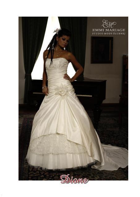 Najnowsza kolekcja sukien ślubnych Emmi Mariage - zdjęcie