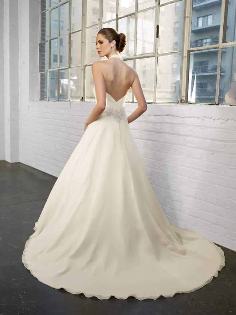 ad02c5bcf4 Najnowsza kolekcja sukni ślubnych Madeline Gardner New York - Zdjęcie 30