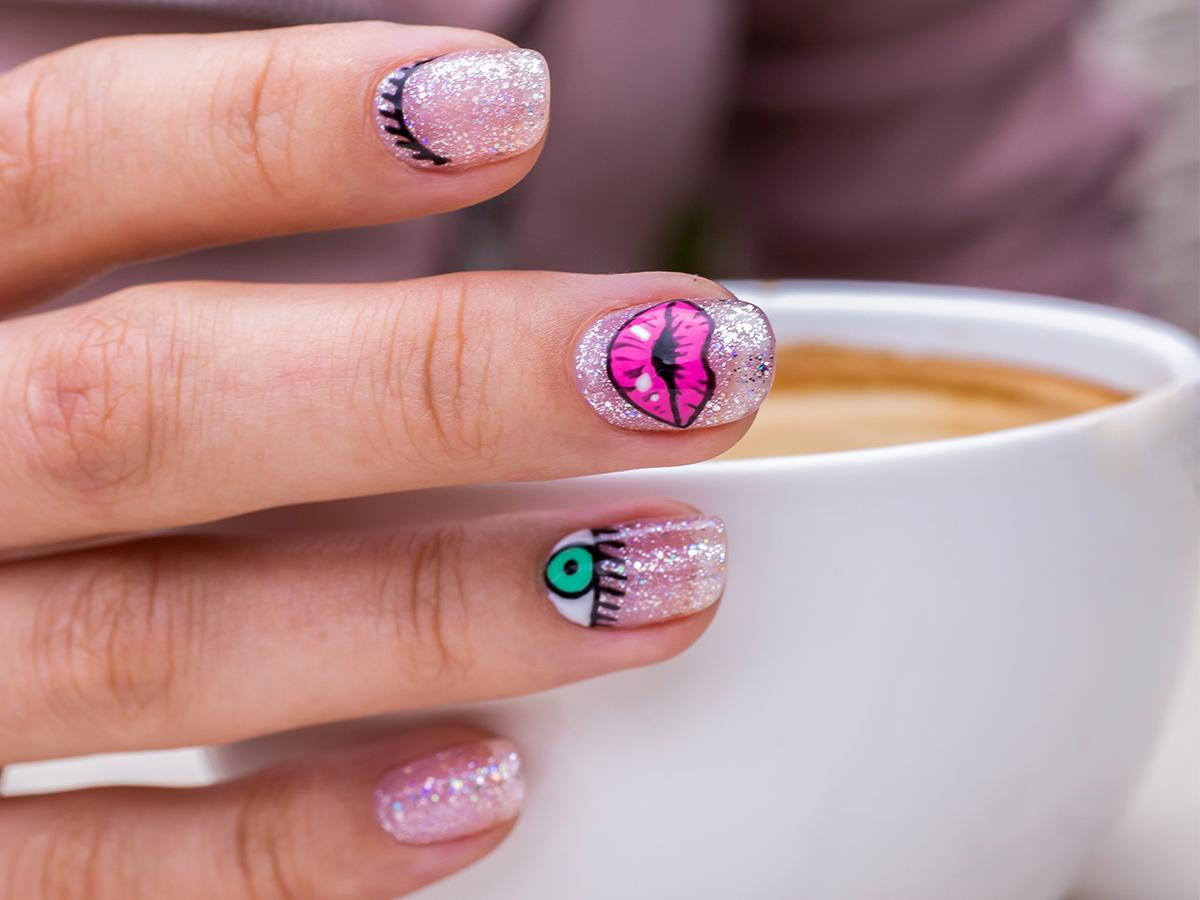Naklejki wodne na paznokcie jak robić