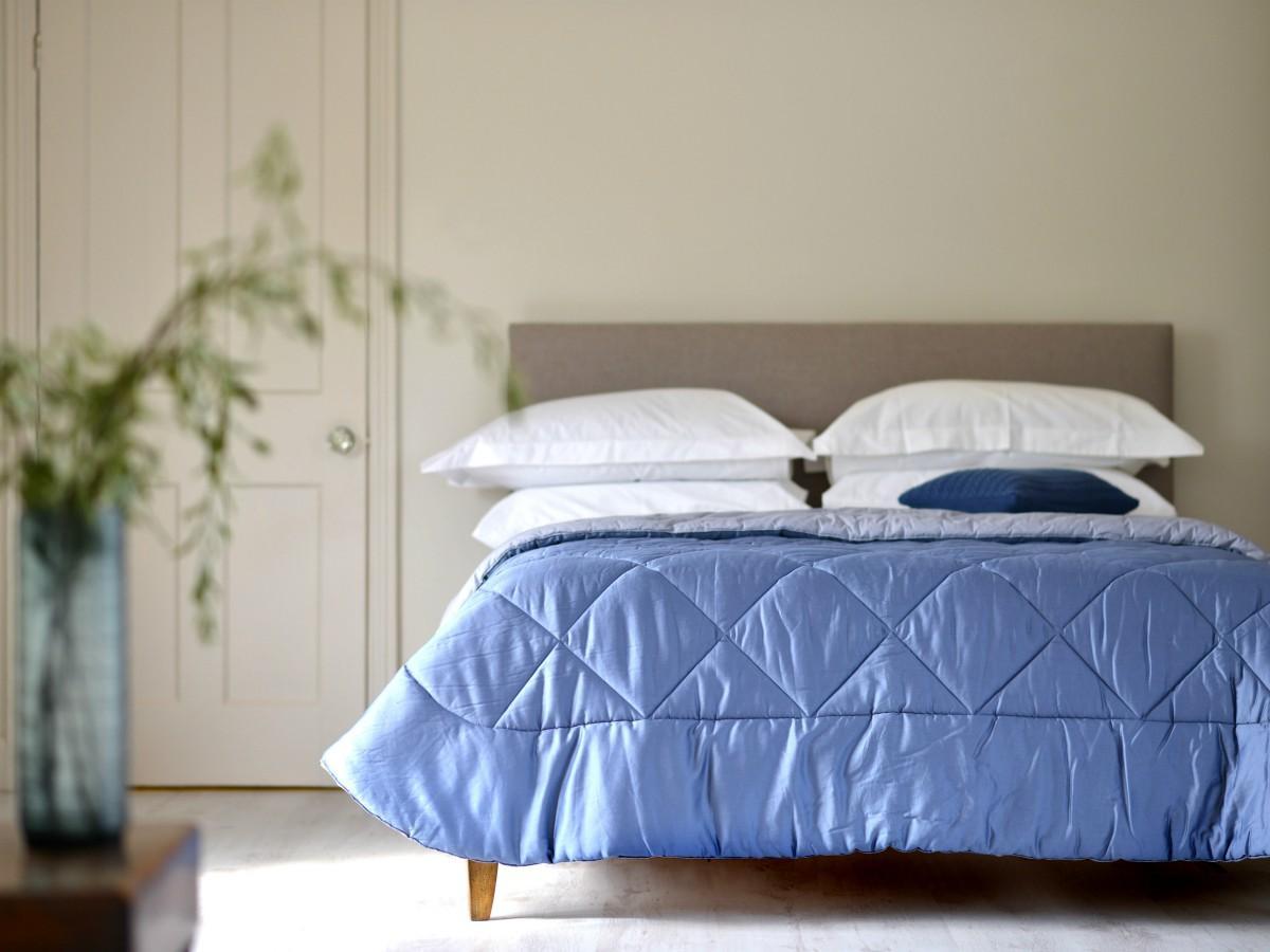 Narzuta na łóżko pikowana