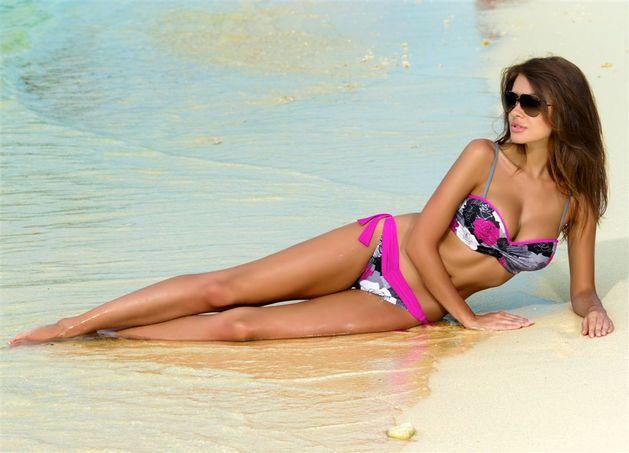Natalia Siwiec w kostiumach kąpielowych Gabbiano 2013