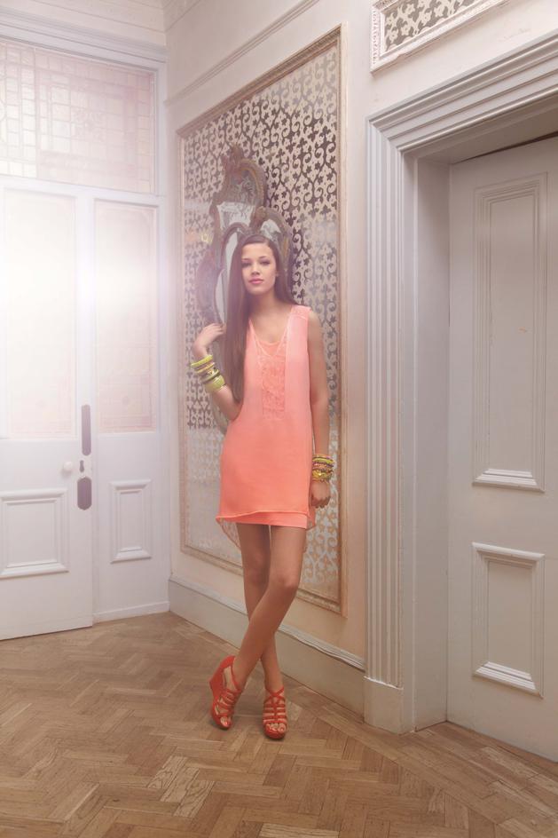 sukienka New Look w kolorze koralowym - kolekcja wiosenno-letnia