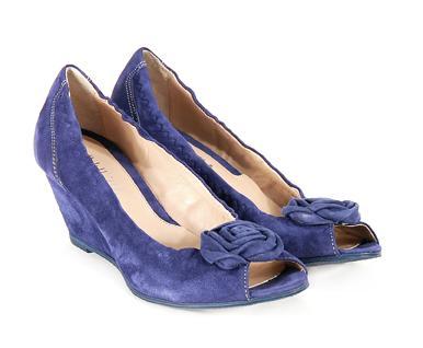niebieskie pantofle Venezia z kwiatem - sezon wiosenno-letni