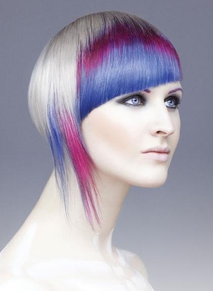 Niebieskie włosy - fryzury